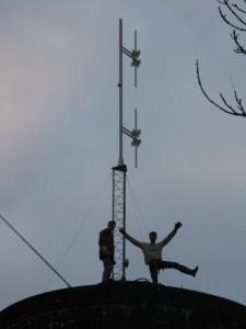 Installation de l\'émetteur Sweet FM d\'Alençon (photo Sweet FM)