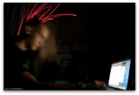 travail-ordinateur-de-nuit
