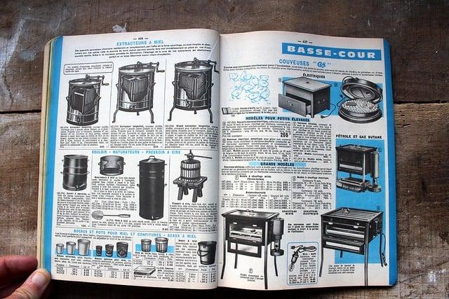 Catalogue Manufrance, emblème de la vente à distance