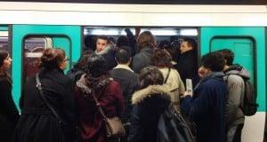 Métro bondé - Fin du métro-boulot-dodo