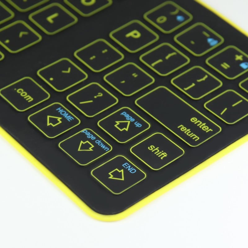 back-thinest-foldable-iphone-6-plus-6-ipad-surface-bluetooth-keyboard-case-PKB01_5_original