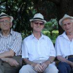 Seniors sur banc