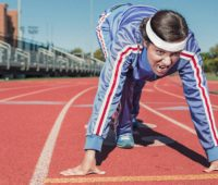 Sport : femme starting blocks
