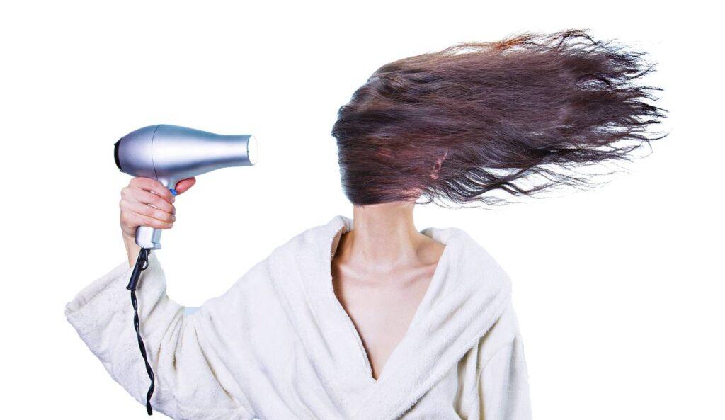 Seche-cheveux qui decoiffe